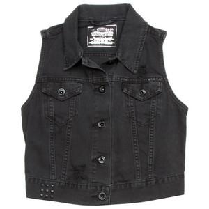 black vest and jeans - photo #10
