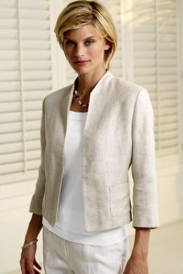 Linen clothing for women offers classic style in a time-honored fabric celebrated for its breathable, lightweight comfort. Long hailed as the signature textile of summer, linen deserves its reputation: made from the fibers of the flax plant, the fabric is naturally cool, breathing freely and wicking moisture readily, making it an obvious choice for warm-weather styling.