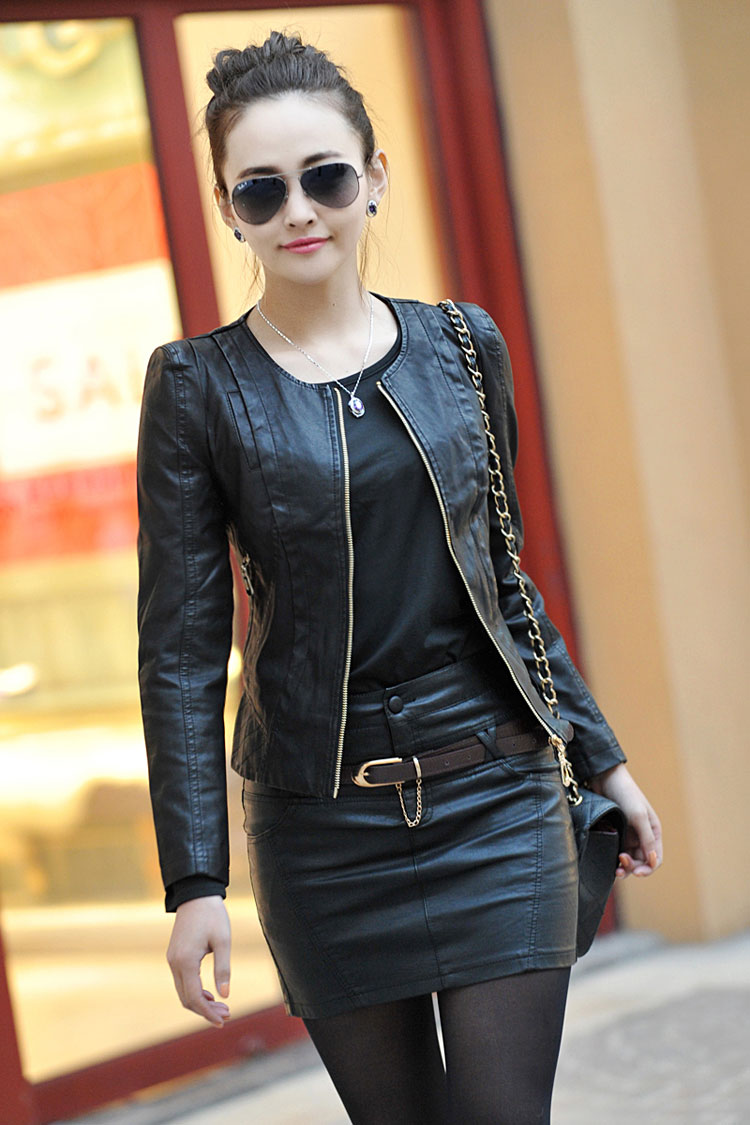Short leather jacket for women