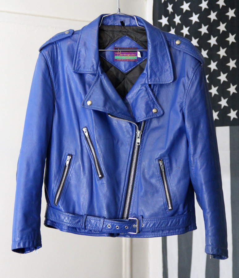 Discover Women's Coats & Jackets from Forever 21! Shop denim jackets, faux fur coats, windbreakers, anoraks, hoodies, blazers, bombers, puffers, pea coats, trench.